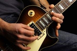 yohanes-chandra-eka-jaya-dan-gitar
